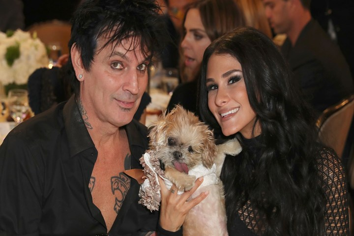 Tommy Lee Reveals Valentine S Day Engagement To Vine Star Brittany