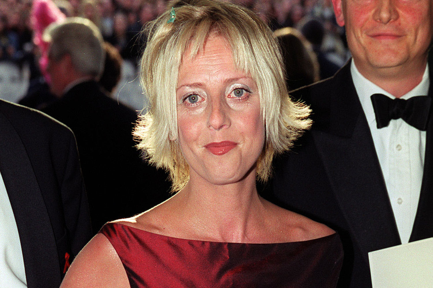 notting hill actress emma chambers has died at age 53 | who magazine