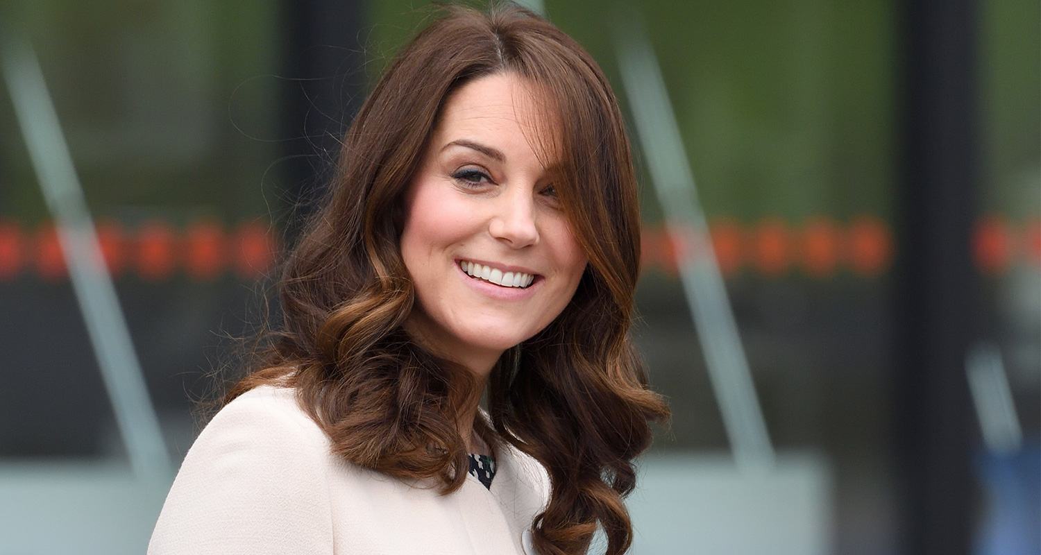 8b41fe591 Pregnant Kate Middleton steps out in skinny jeans   WHO Magazine