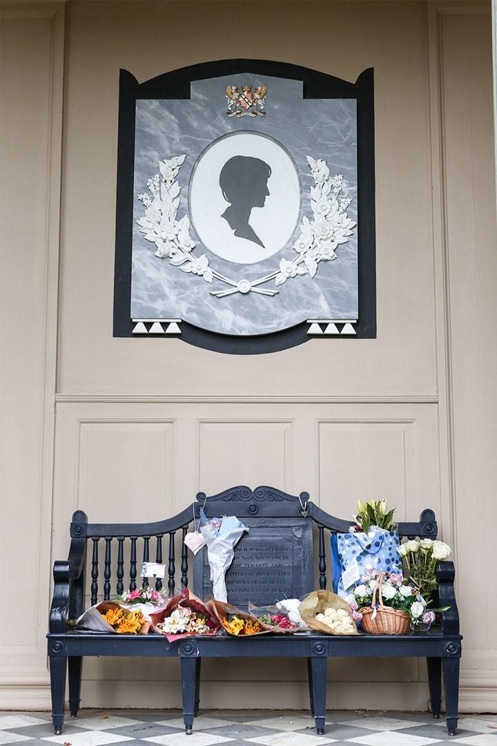 Princess Diana S Final Resting Place Photos Who Magazine