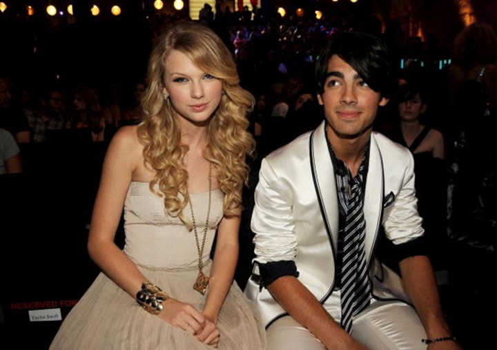 Taylor Swift Dating Zac Efron 2013
