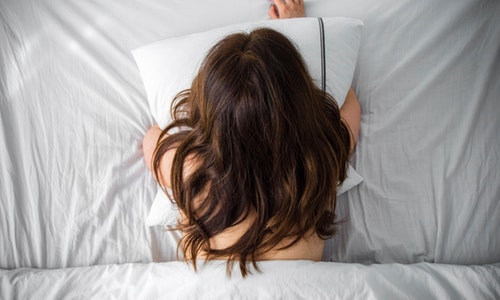 Sleeping In Minimal (Or No) Clothes Will Make For Better