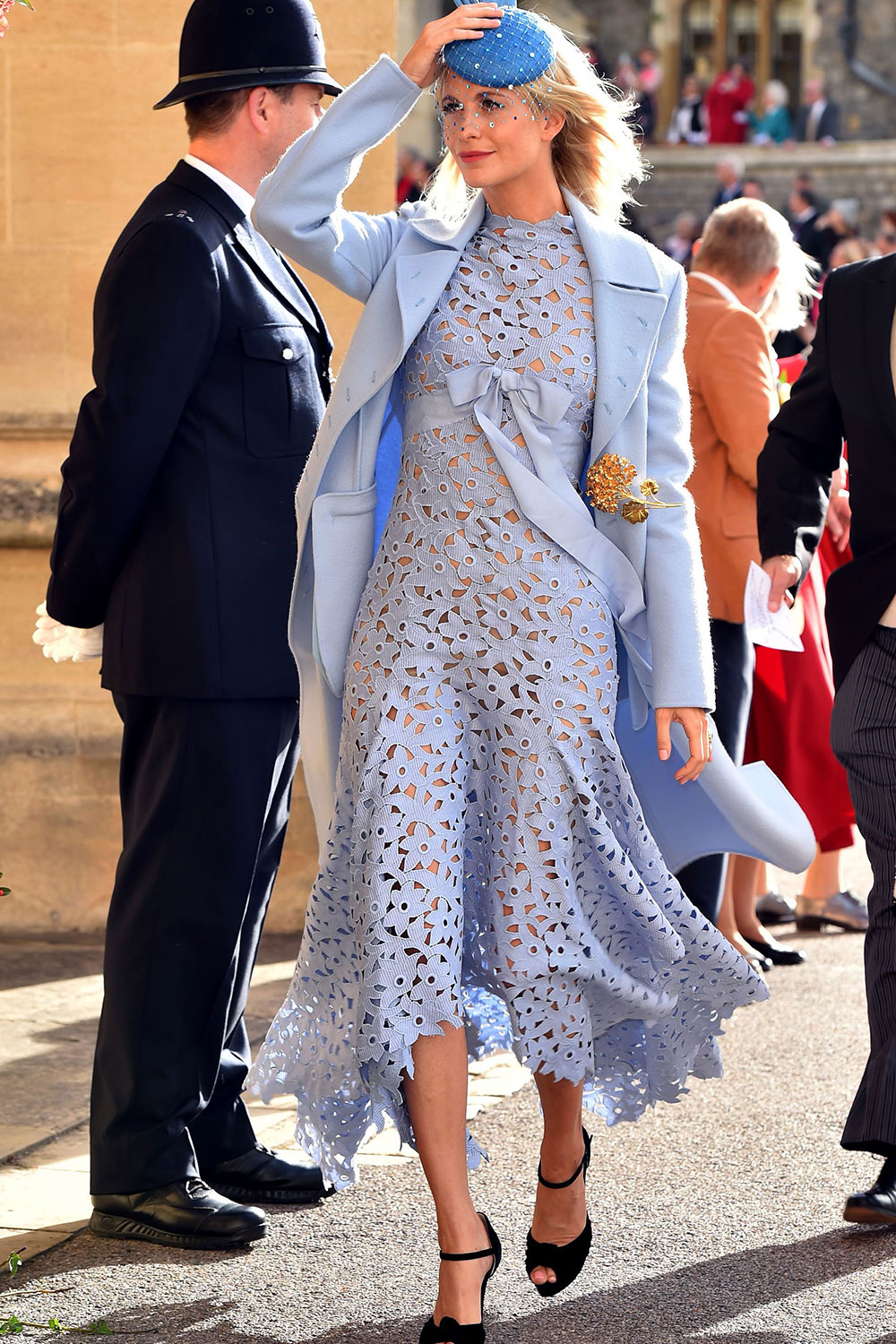 What to Wear to a Winter Wedding? The Perfect Outfit for a