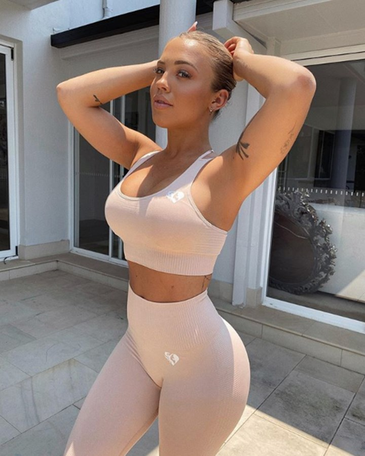 Tammy Hembrow makes X-rated confession
