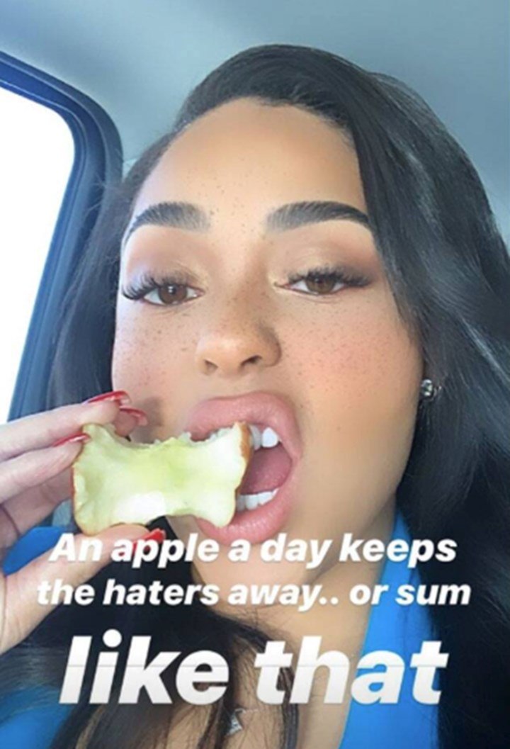 Jordyn Woods says she wasn't throwing shade at Khloe on Insta and we remain unconvinced